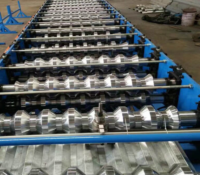 China manufacture metal roofing galvanized corrugated tile profiles roll forming machine