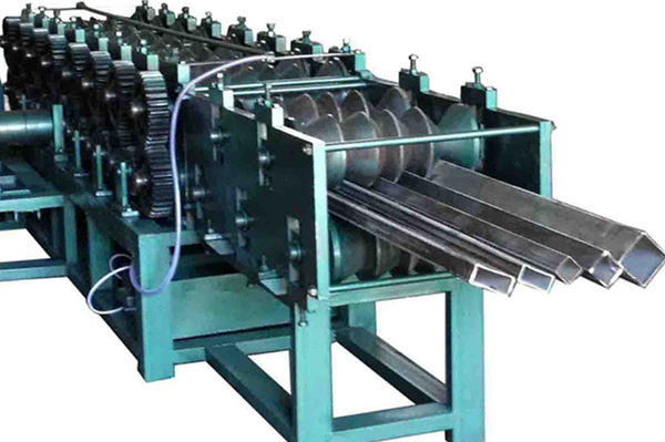 Shaped tube roll forming machine manufacture
