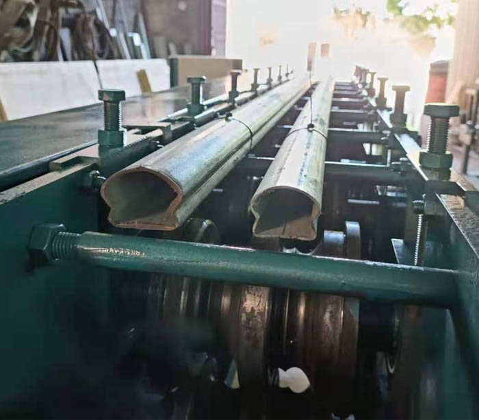Stair Handrail Cap Tube Roll Forming Machine Export