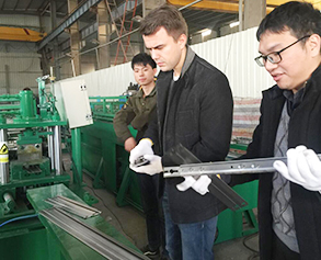 Storage shelves forming machine quality checking