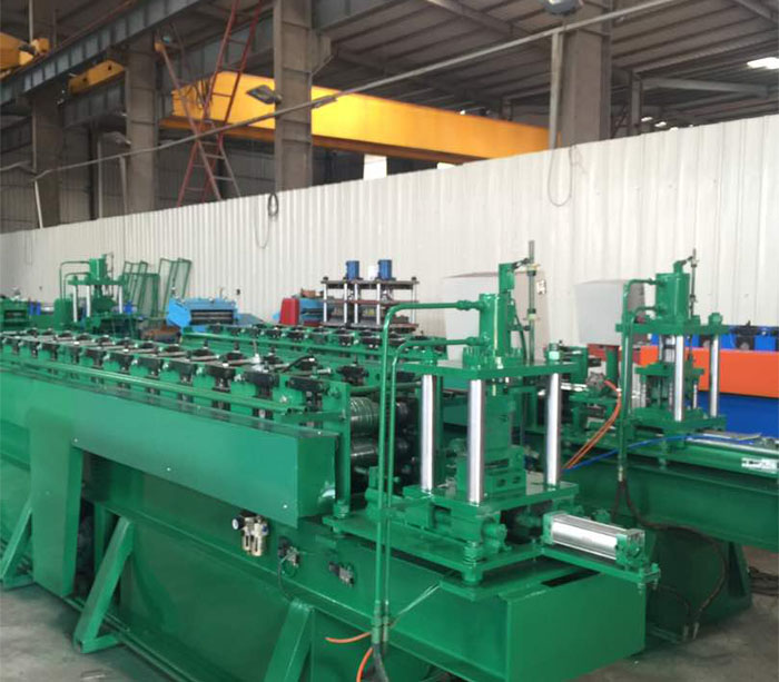 Bulk steel rack beam roll forming machine