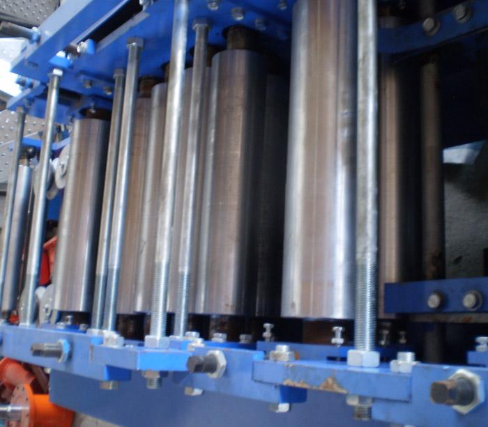 Door shutter roll forming machine