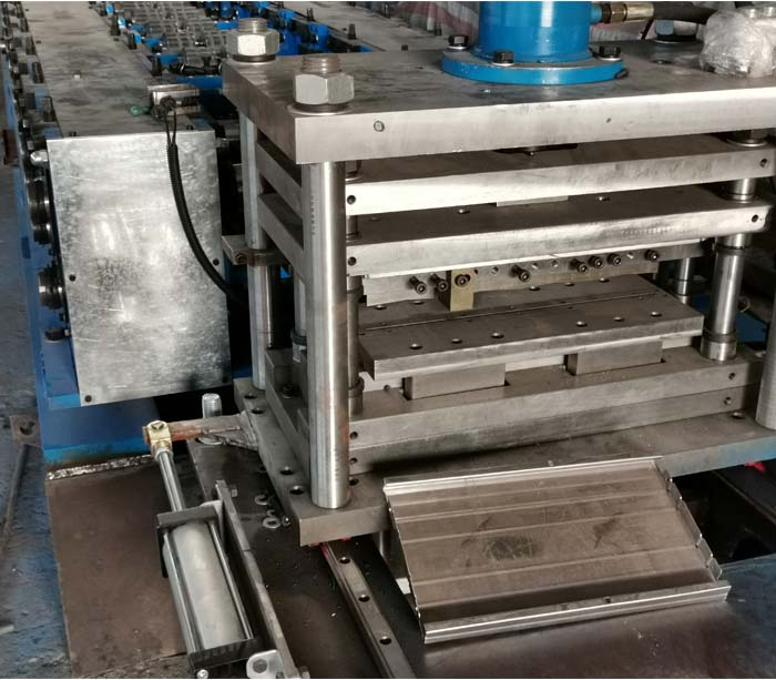 Steel Shelf Roll Forming Machine