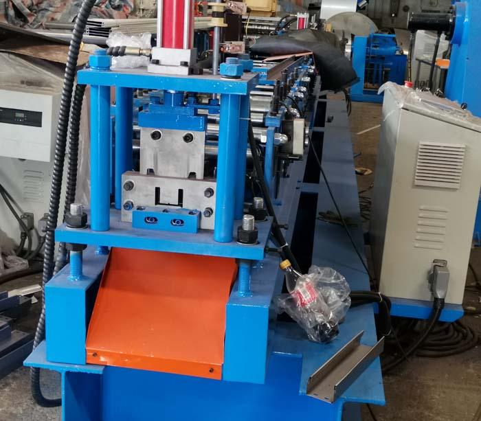 Size Adjustable CU Purlin Roll Forming Machine AUTO